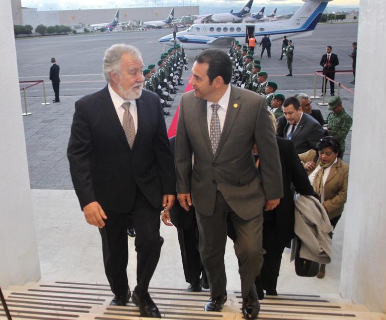 Los invitados de Andrés Manuel López Obrador: Jimmy Morales Presidente Guatemala