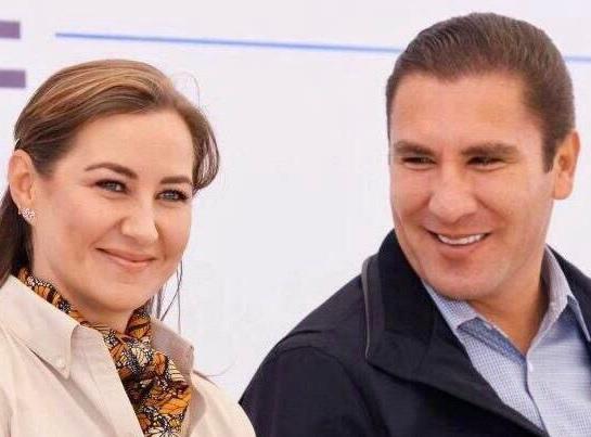 Martha Erika Alonso y Rafael Moreno Valle | Foto: Twitter @RafaMorenoValle