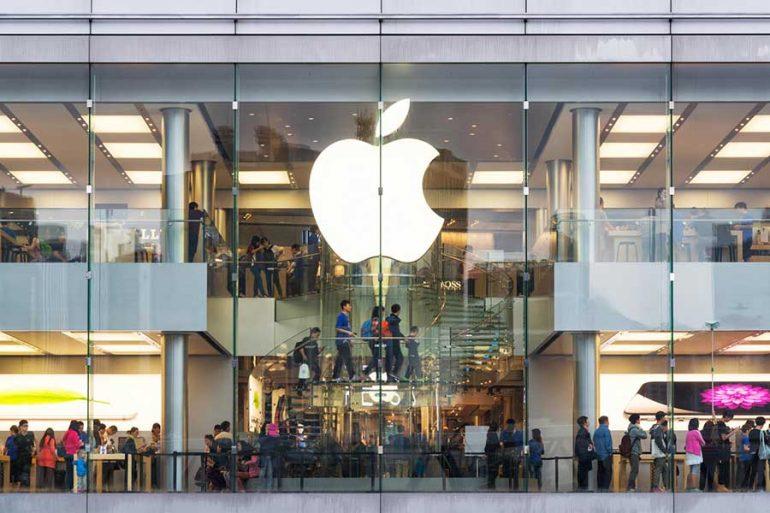 Apple necesitará adquirir proveedores de contenido en 2019 o enfrentarse a la posibilidad de perder fuerza en su división de servicios, según un analista.