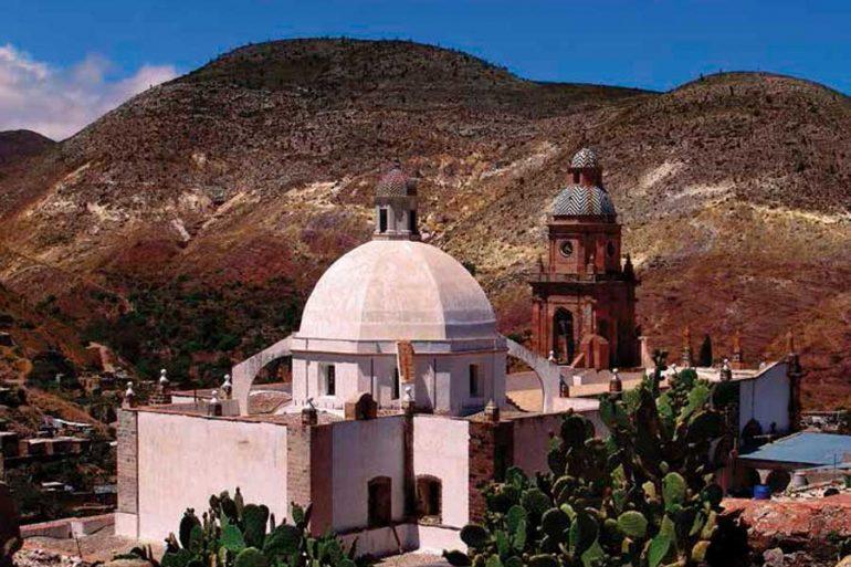 Templo de la Purísima Concepción es uno de los edificios me- jor preservados en Real de Catorce, San luis Potosí | Foto: Getty Images