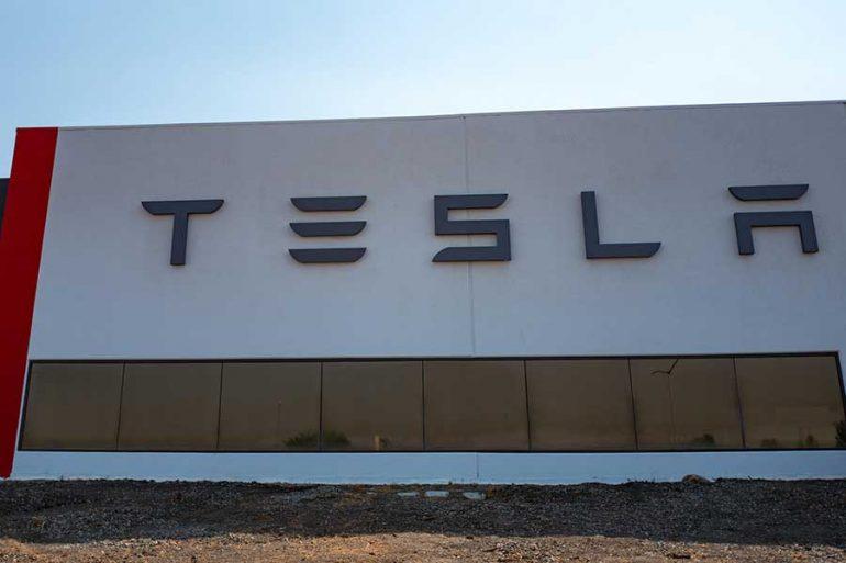 Nuevo plan de Elon Musk para proteger los Tesla
