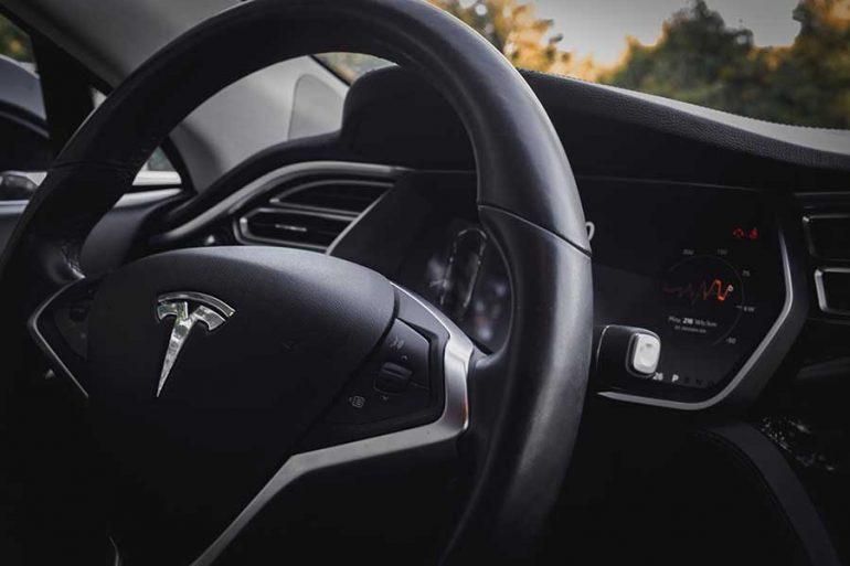La nueva fábrica de Tesla inicia operaciones en China | Foto: JP Valery en Unsplash