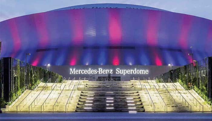 El Mercedes-Benz Superdome en Nueva Orleans fue bautizado por la marca automotriz en 2011 | Foto: Getty Images