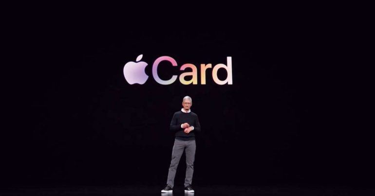 Tim Cook en la presentación de la Apple Card