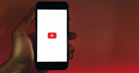 YouTube retrocede en su estrategia de contenido original por la competencia | Foto: Szabo Viktor en Unsplash