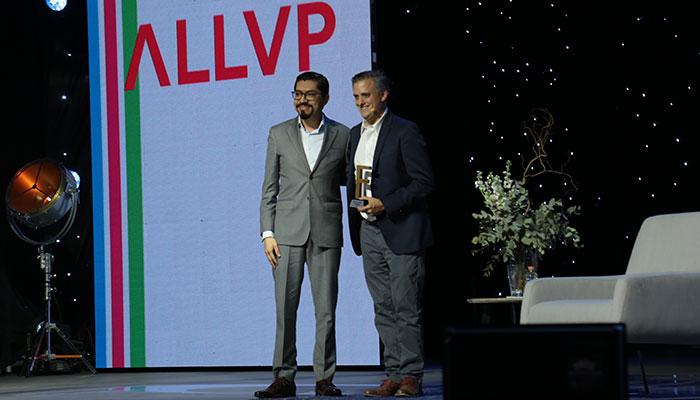 Reconocimiento a ALLVP por Deal Entrepreneur ! Aparece Fernando Lelo de Larrea, managing ALLVP | Foto: Paulina Munive