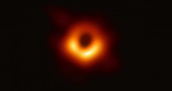 5 cosas que debes de saber sobre el primer hoyo negro fotografiado | Foto: Event Horizon Telescope collaboration et al.