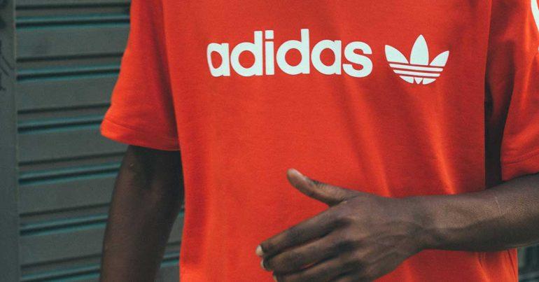 Las acciones de Adidas se disparan gracias a su crecimiento en Asia y ventas online | Foto: Camila Carvalho en Unsplash