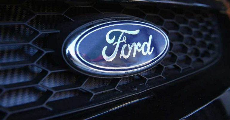 Ford usa plástico reciclado para sus tapetes | Getty Images