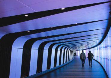 IA omnipresente: ¿futuro o supervivencia empresarial? | Foto: Tom Parkes en Unsplash