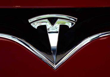Tesla incrementa los precios de sus autos premium y baja el del Modelo 3 | Foto: Getty Images