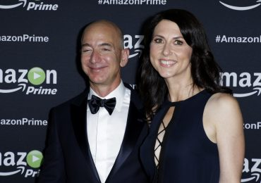 Jeff y MacKenzie Bezos | Foto: Getty images