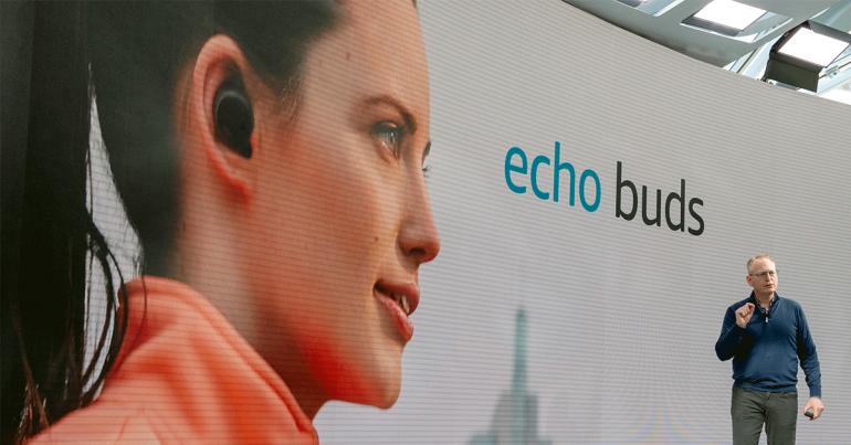 Echo buds de Amazon | Foto: Getty Images