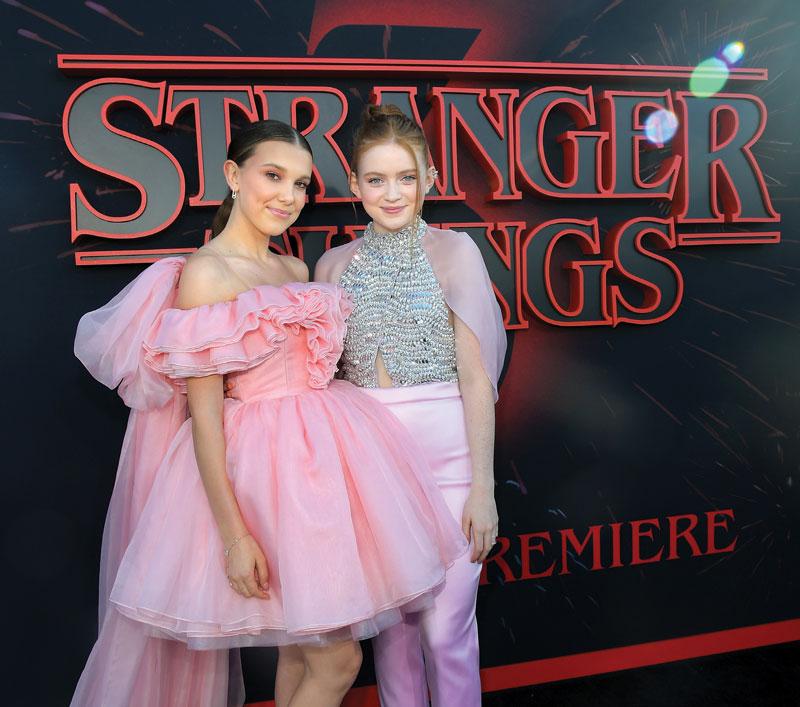 Alfombra roja. Millie Bobby Brown and Sadie Sink asistieron a la premiere de la temporada 3 de Stranger Things el 28 de junio en Santa Mónica, California. | Foto: Getty Images