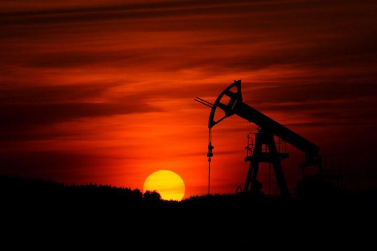 Petrolera | Foto: Zbynek Burival en Unsplash