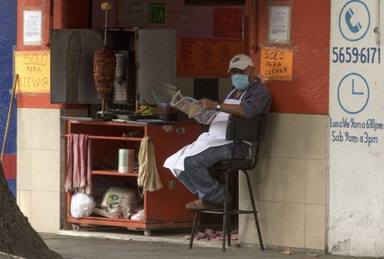 Fitch Ratings anticipa que el nuevo coronavirus conducirá a México a una severa recesión en 2020. | Foto: AFP