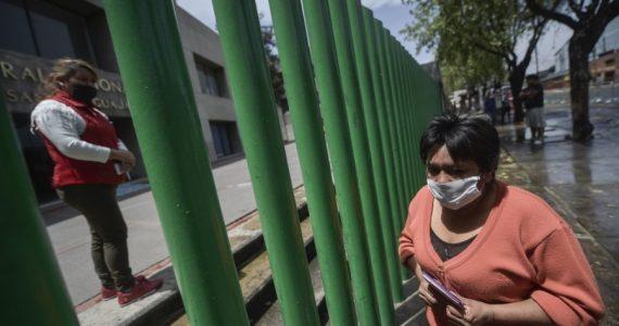 Acción Ciudadana Frente a la Pobreza presenta un reporte sobre precariedad laboral. | Foto: AFP