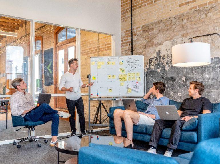 En AL hay más de 107 Corporativos que colaboran con startups a través de más de 460 iniciativas.   Foto: Unsplash