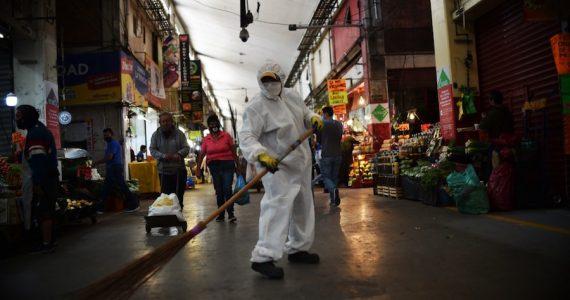 La Central de Abasto lidera los contagios en la CDMX con 6,048 casos. | Foto: AFP