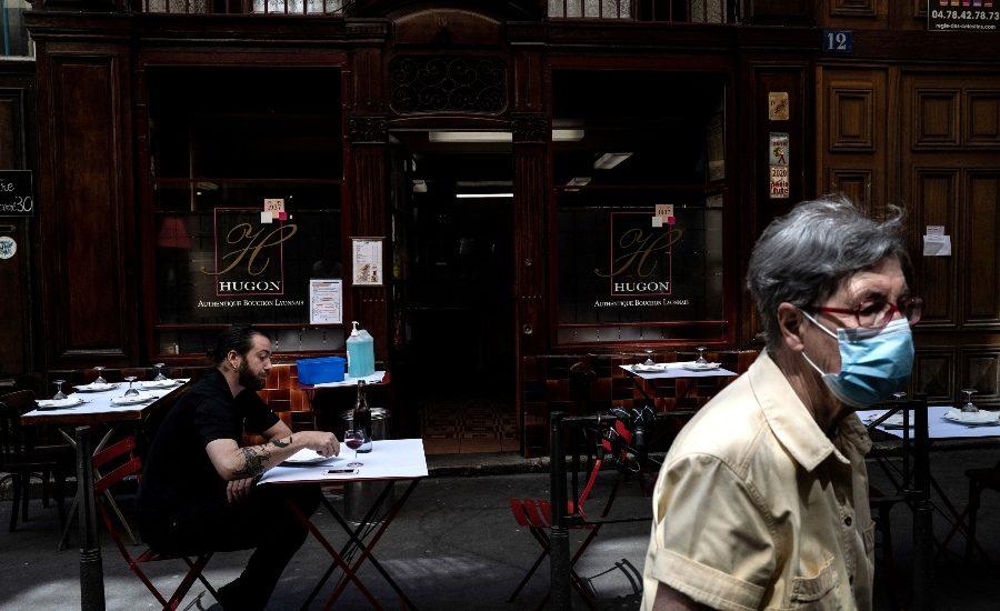 El aumento de la pobreza extrema en gran parte dependerá de cuán pronto puedan reabrirse las economías avanzadas. | Foto: AFP
