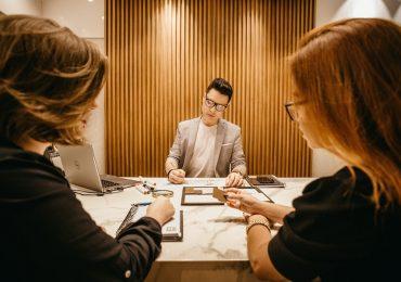 De acuerdo con ManpowerGroup, los empleadores en México prevén disminuir las contrataciones para el tercer trimestre del año. | Foto: Unsplash