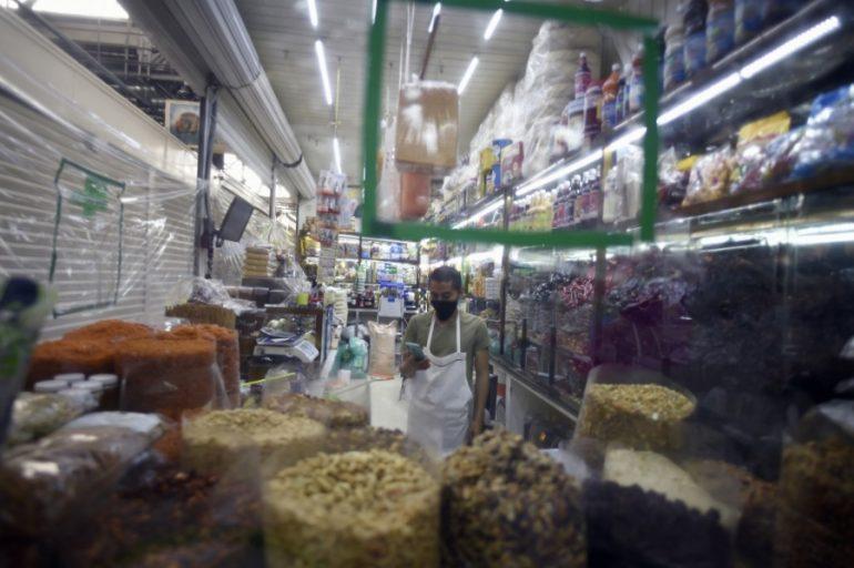 México tiene un incremento en el nivel de desempleo y subocupación por el desplome económico de las empresas.   Foto: AFP